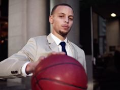 It's Official: Stephen Curry Is the NBA's New Marketing Megastar Sports Marketing, The Marketing, Nba News, Tv Ads, New Market, Stephen Curry, Golden State Warriors, Basketball Players, Lebron James