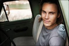 I normally don't pin sexy pieces of meat but I'm officially obsessed with Taylor Kitsch!