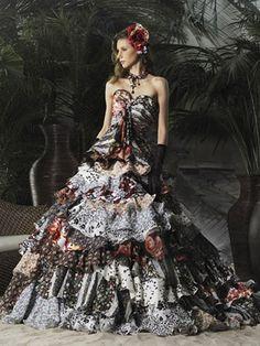 Wedding dress with ruffles Wedding Dress A-shaped, heart neckline and layers of ruffles.