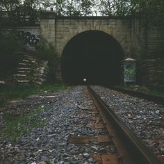 Oldies but goodies. #tunnel #love #trains_worldwide #rsa_theyards #train_nerds #railroad #traintracks #railways_of_our_world #hamont #railmarkable #walk #wander #life #architecture #adventure #explore #ontario #sexdrugshamont #tpsj #huzzah #railway #goodvibrations #nature #love by kristenlee47