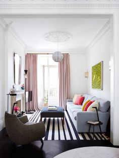 Great Ideas Decorating Small Apartment Living Room Furniture Needs regarding proportions 1440 X 1152 Small Living Room Design Styles - Living in a studio Living Pequeños, Narrow Living Room, Tiny Living Rooms, Small Living Room Design, Small Apartment Living, Beautiful Living Rooms, Decorating Small Spaces, Living Room Interior, Living Room Designs