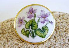Vintage-Porcelain-Hand-Painted-Purple-Violets-Pin-Brooch-Signed-Denmark-1957