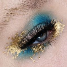 - Make Up Inspiration! Gold Makeup Looks, Gold Eye Makeup, Cute Makeup, Pretty Makeup, Gold Eyeshadow, Makeup Goals, Makeup Inspo, Makeup Art, Makeup Tips