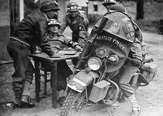 Harley Davidson News – Harley Davidson Bike Pics M1 Garand, Motorcycle Garage, Motorcycle Outfit, Military Police, Military Clothing, Harley Davidson Wla, Best Bike Shorts, Holster, Super 4