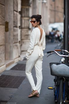 white-jumpsuit-streetstyle