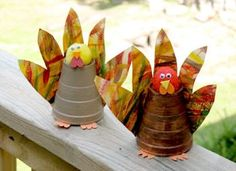 how to make a chicken out of a paper cup
