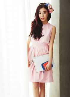 Tiffany is a beauty in vibrant and pastel colors in the handbag and wallet lookbook for 'Jill Stuart' | allkpop.com