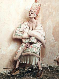 Vanity Hair: Guinevere Van Seenus by Bjorn Ioozs for CR Fashion Week FW16/17 #marieantoinette #XVIII