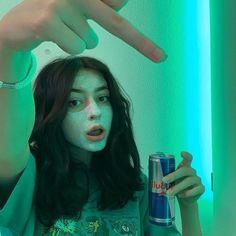 Bad Girl Aesthetic, Aesthetic Grunge, Aesthetic Photo, Aesthetic Pictures, Photographie Indie, Tumbrl Girls, Shotting Photo, Selfie Poses, Insta Photo Ideas