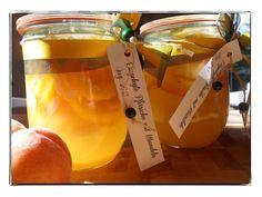 eingelegte Pfirsiche mit Mandeln