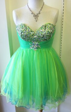 Look Gorgeous in Green! This homecoming / prom dress also comes in a fushia!