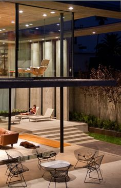 Modern Lavish Residence Design in Best Appearance: Fabulous Duplex Home Lounge And Room Interior Decor Integrates Floor To Ceiling Frameless...