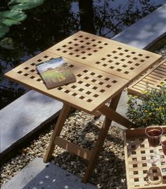 Lilly foldable square table - TraditionalTeak.nl