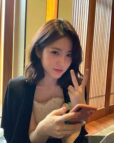 🖤 Korean Short Hair, Korean Girl, Asian Girl, Korean Beauty, Asian Beauty, Teen Web, Got7, Asian Love, Beautiful Girl Image