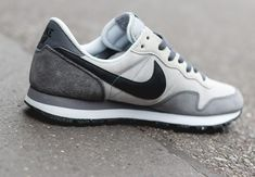 Nike Sportswear's latest take on the Air Pegasus 83 is wrapped in suede with leather detailing and a nylon tongue. Nike Free Shoes, Nike Shoes, Sneakers Nike, Roshe Shoes, Nike Roshe, Casual Sneakers, Sneakers Fashion, Nike Air Pegasus, Jamel