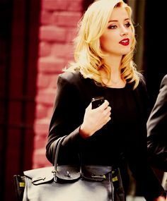 Amber Heard is crazy gorgeous. Amber Heard Hot, Amber Heard Style, Amber Heard Makeup, Amber Herd, Most Beautiful Faces, Professional Outfits, Young Professional, Beautiful Actresses, Girl Crushes