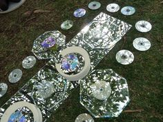 Cds and mirrors for a cloudy day. For more Reggio Inspired pins: http://pinterest.com/kinderooacademy/reggio-inspired/ ≈ ≈