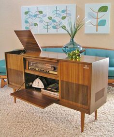 Sleek and Simple Lines: Grundig Stereo Console Model Also maybe the wall art. Radios, Vintage Stereo Cabinet, Record Player Console, Record Players, Vinyl Storage, Audio Room, Vintage Records, Mid Century Furniture, Mid Century Design