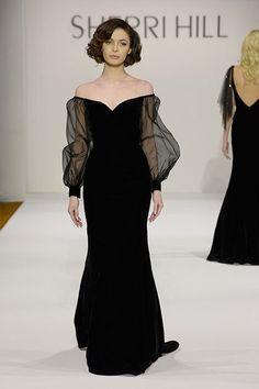 New York Fashion Week - Fall 2016 - Sherri Hill black dress Evening Dresses, Prom Dresses, Formal Dresses, Elegant Dresses, Pretty Dresses, Couture Fashion, Runway Fashion, Fashion Fashion, Fashion Tips