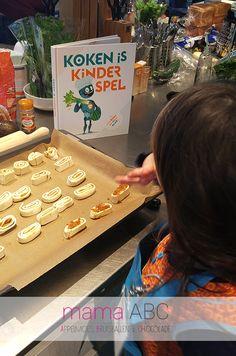 Koken is kinderspel, het nieuwe kookboek van Colruyt. Gericht op kinderen om met slechts een beetje hulp van een ouder te kunnen koken. https://mamaabc.be/koken-is-kinderspel/