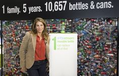 Jillian Michaels in front of the SodaStream Cage Exhibit. Workout Programs For Women, 7 Day Detox, Fat Burning Detox Drinks, Jillian Michaels, Photo Credit, Most Beautiful Pictures, Exhibit, Cage, David
