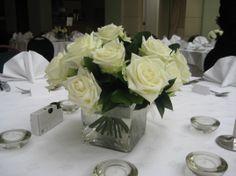 table-arrangement-ivory-rose-tank-vase.jpg (1075×806)