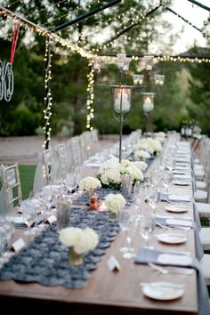 Beautiful grey and white table decor with twinkling lights and candles - lighted canapy Wedding Table Decorations, Floral Centerpieces, Wedding Centerpieces, Yard Wedding, Wedding Places, Simple Weddings, Real Weddings, Grown Up Parties, Table Garland