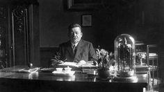 Friedrich Ebert wurde am 11. Februar 1919 zum ersten demokratisch gewählten Staatsoberhaupt Deutschlands ernannt. Sein Hauptanliegen galt der Sicherung der jungen Republik.