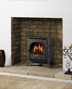 Stovax Stockton 5 possibility for front room? Smaller version of family room stove. Wood Stove Hearth Pads, Wood Burner Fireplace, Wood Burning Fireplace Inserts, Fireplace Ideas, Long Room, Multi Fuel Stove, Living Room Decor Colors, Chimney Breast, Log Burner