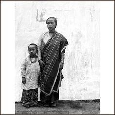 Minangkabau mother & daughter - PESISIR
