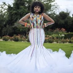 All the way from Zulu we bring to your screen this gorgeousness to inspire you your bridal fashion game. Zulu Traditional Wedding Dresses, Zulu Traditional Attire, South African Traditional Dresses, African Dresses For Kids, Latest African Fashion Dresses, African Wedding Attire, African Attire, Xhosa Attire, Kitenge