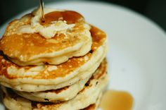 Yummy fluffy pancakes! No buttermilk required :P