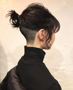 Pin on 刈り上げボブ Hair Inspo, Hair Inspiration, Pretty Hairstyles, Tomboy Hairstyles, Undercut Hairstyles Women, Dyed Hair, Hair Goals, Your Hair, Curly Hair Styles