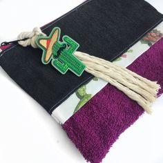 Καλοκαιρινό χειροποίητο Τσαντάκι χειροποίητο πετσέτα και τζιν με κάκτο | Νεσεσέρ στο jamjar Summer Accessories, Clutch Bag, Cactus, Bags, Handbags, Clutch Bags, Clutch Purse, Bag, Clutches