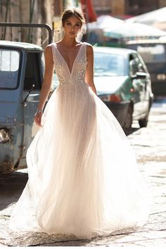Wedding Dresses - The Ultimate Gallery (BridesMagazine.co.uk)