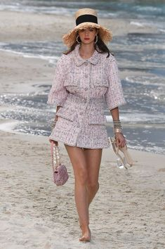 7b51b007c443e Chanel Spring 2019 Ready-to-Wear Fashion Show Collection  See the complete  Chanel