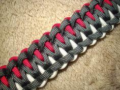 Rawk& Knotorials: Knotorial 14 - The Northern Spikes (Bracelet) Paracord Bracelet Designs, Paracord Projects, Bracelet Crafts, Paracord Bracelets, Paracord Ideas, Knot Bracelets, Survival Bracelets, Paracord Weaves, Paracord Braids