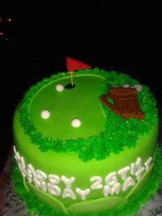 A golf themed cake for a lucky guy's birthday.