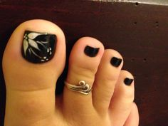 Pedi design Black Toe Nails, Pink Gel Nails, Pretty Toe Nails, Cute Toe Nails, Gorgeous Nails, Toe Nail Color, Toe Nail Art, Black Nail Designs, Toe Nail Designs
