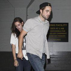 Robert Pattinson and Kristen Stewart Hold Hands   Pictures