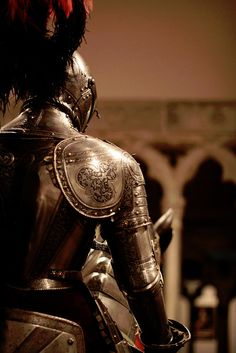 Rew Elliott: Fairey Tales and Stories: Knight in Shining Armour Knight In Shining Armor, Knight Armor, Sirius Black, Story Inspiration, Character Inspiration, Writing Inspiration, Jon Snow, Armadura Medieval, Luna Lovegood