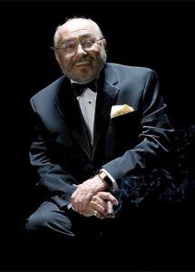 Eduardo Palmieri, está reconocido como uno de los artistas más innovadores en la historia de la música latina siendo uno de los pioneros de la Salsa.