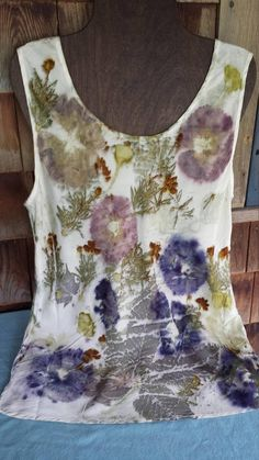 This silk tank top has been ecoprinted with beautiful summer flowers and leaves: hollyhocks, coreopsis, chestnut, maple and geranium leaves. Contact Jeanne with questions or if you'd like additional pictures. Fabric Painting, Fabric Art, Fabric Crafts, Flower Fabric, Silk Fabric, Textile Dyeing, Textile Art, Dyeing Fabric, Natural Dye Fabric