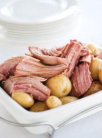 Slow Cooker/Stew Recipes - Click the illustration to discover more porc crock-pot recipes Slow Cooker Stew Recipes, Slow Cooker Pork, Ham Recipes, Crockpot Recipes, Cooking Recipes, Healthy Food Quotes, Ricardo Recipe, Confort Food, Crock Pot Cooking