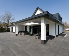 Moderne vrijstaande villa - veranda