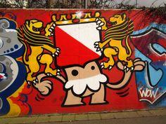 KBTR Utrecht-hat coat of arms, de Utrechtse Kabouter Urban Street Art, Urban Art, Utrecht, Grab Bags, Coat Of Arms, Graffiti, Snoopy, Photo And Video, Hat