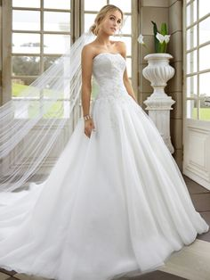 Strapless Organza Satin Sweep Train White Appliques Wedding Dress