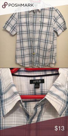 Men's apt 9 short sleeve dress shirt large Apt 9 men's large dress shirt. In great shape. Apt. 9 Shirts Casual Button Down Shirts