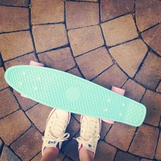 I want this one so bad Penny Skateboard, Skateboard Pictures, Pastel Penny Board, Mini Cruiser, Skater Girls, Longboarding, Birthday Wishlist, Skate Park, Beach Girls