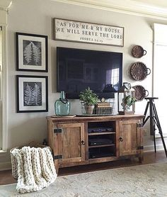 99 DIY Farmhouse Living Room Wall Decor and Design Ideas - New Living Room, My New Room, Home And Living, Living Room Decor Around Tv, Over Tv Decor, Tv Area Decor, Tv Stand Ideas For Living Room, Living Room Vintage, Farmhouse Living Room Decor